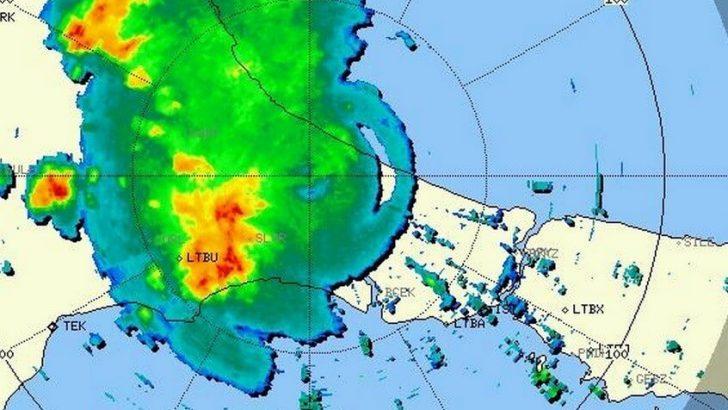 İstanbul'da kuvvetli yağmur ve yer yer dolu !