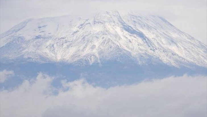 Ağrı Dağına Yılın İlk Karı Düştü