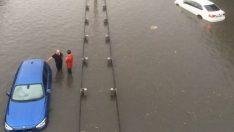 Ankara'da Yağan Yağmur Sele Neden Oldu !