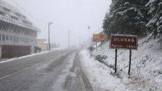 Uludag'a mevsimin ilk karı yagdı !