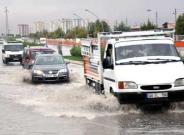 Malatya'da Sağanak Yağış Gün Boyu Etkili Oldu