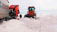Ardahan'da kar yolları kapadı!
