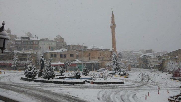 UYARI: İç Bölgelerde Kuvvetli Kar!