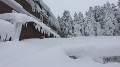 Uludağ'da kar kalınlığı 2 metreyi aştı !