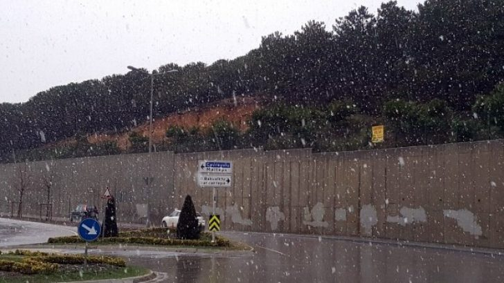 İstanbul'da Kar Şaşırttı !