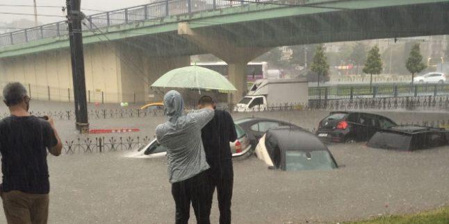 İstanbul Aksaray'da Sel Felaketi!