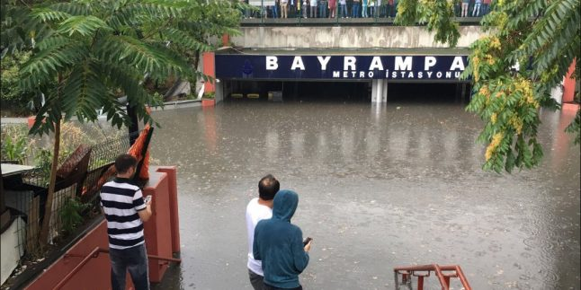 İstanbul Yağmura Teslim Oldu!