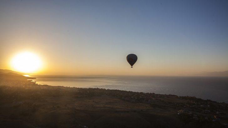 Doğu'nun ilk balon turu Ahlat'ta yapıldı