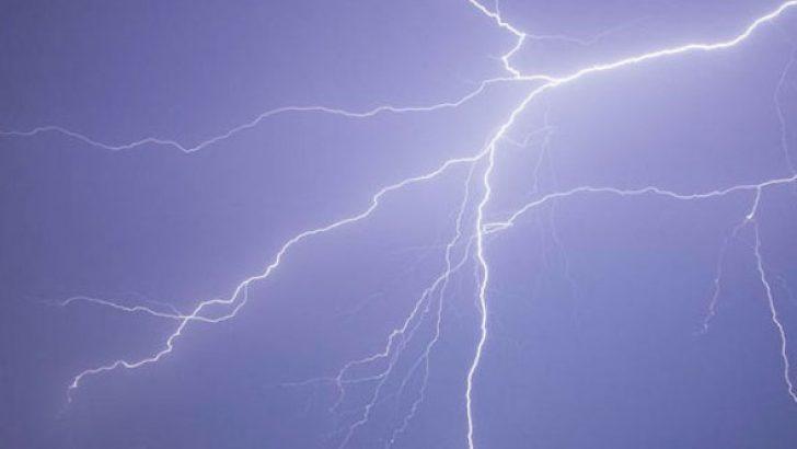 Manisa'da Yıldırım:1 Ölü 6 Yaralı
