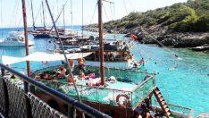 Cennet Koy'da tekne yoğunluğu zor anlar yaşattı