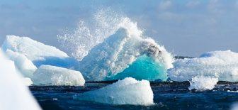 İstanbul büyüklüğünde bir buzul kopup ilerlemeye başladı