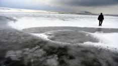 Ardahan'daki Aktaş Gölü dondu