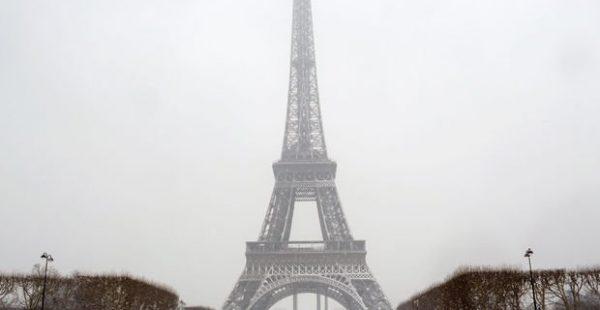 Eyfel Kulesi kar yağışı nedeniyle kapatıldı!