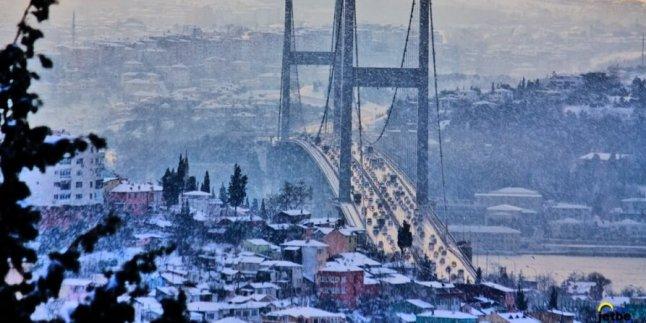 Ä°stanbul'da önce lodos, sonra poyraz ve kar…