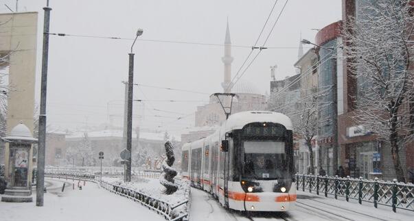 eskisehirde-mevsimin-ilk-kar-yagisi-154549