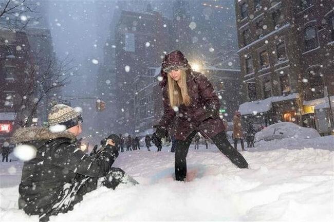 Kar fırtınası ABD'de hayatı durdurdu