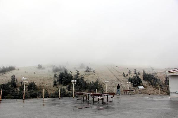 Kartalkaya'da Mevsimin İlk Kar Yağışı