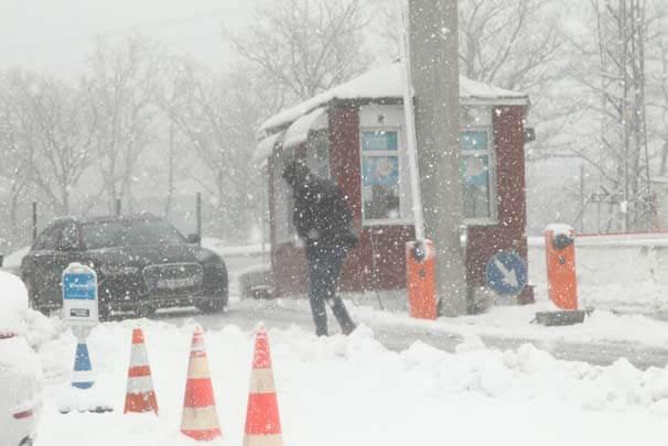 Kırklareli'de etkili olan kar yağışı hayatı olumsuz etkili