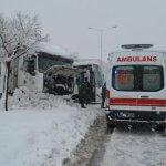 Bitlis'te 90 köy yolu kardan kapandı