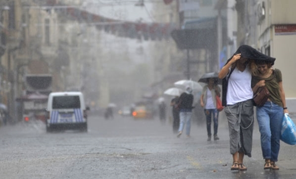 040520171041185297669 İstanbul'da Kuvvetli Yağmur! Uyarılar