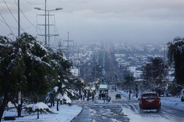 596b73fe61361f0e4c28e0ff Şili'de kar yağdı, 1 kişi hayatını kaybetti! Haberler