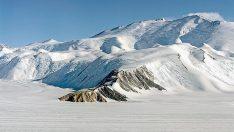 Antartika'da buzullarda 91 yanardağ bulundu!