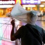 firtina-hong-kongu-adeta-ucurdu-8-150x150 Fırtına Hong Kong'u adeta uçurdu Haberler