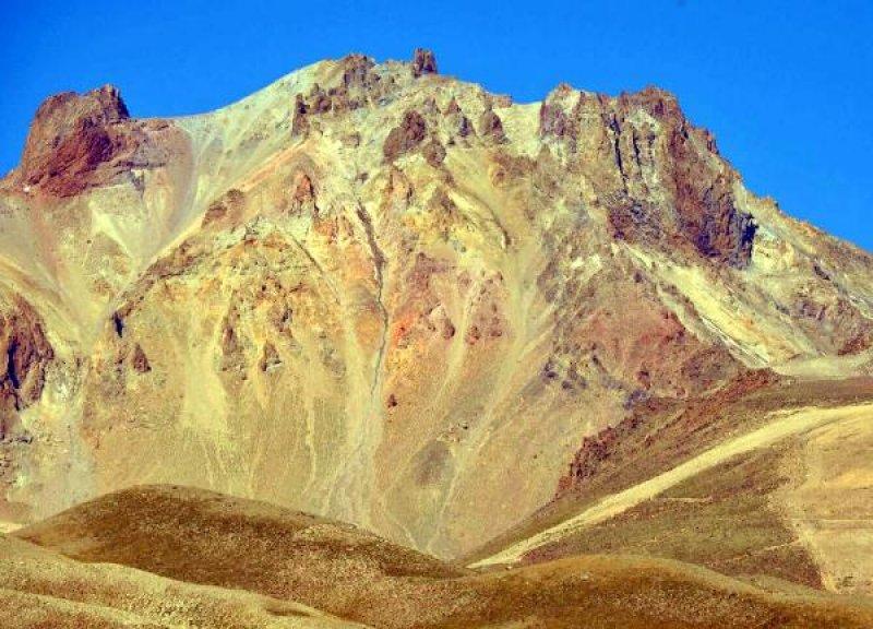 Sıcaklar Erciyes'te buzulları eritti!