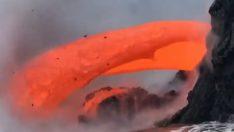 Kilauea'nın lavları denize böyle döküldü…