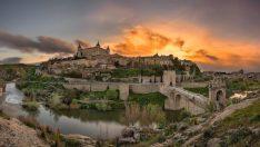 Görkemli yapılarıyla büyüleyen şehir Toledo