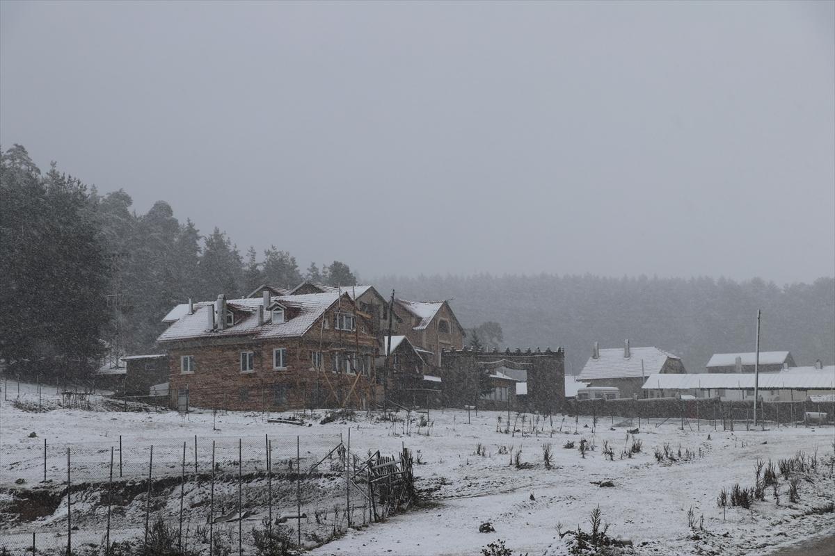 Kartalkaya'da sezonun ilk karı yağdı!