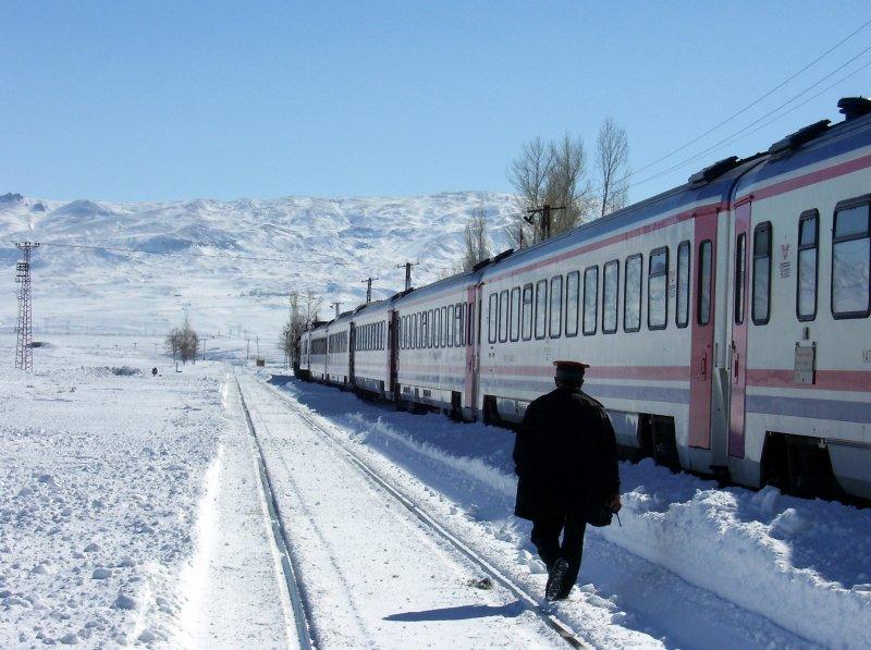Kışın Doğu Ekspresi'nde yolculuk keyfi…