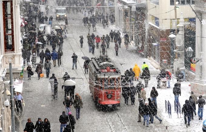 istanbul-kar-yagisi Sıcaklıklar 15-16 Derece Düşecek! Haberler