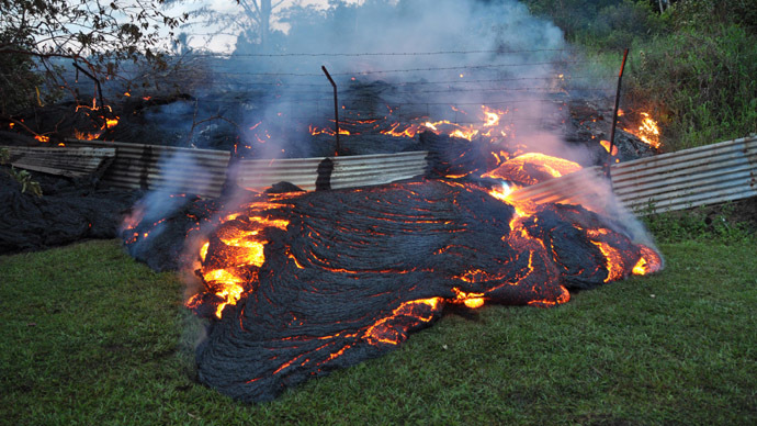 hawai-volkan-lavlar Hawai'de Volkan Patlaması! Video Galerisi