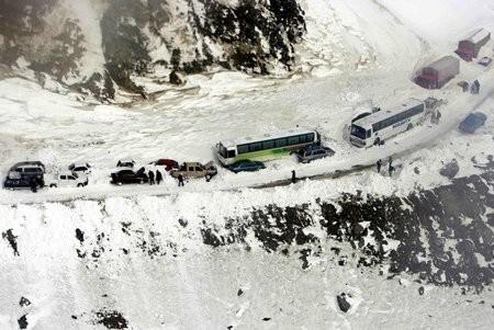 afganistan-2008-kar-yagisi-2 Tarihi 2008 Afganistan Kar Fırtınası Haberler