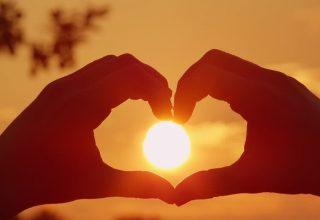 gunesi-seven-insanlar-gunesli-havada-mutlu-olanlar-320x220 Güneş Seven İnsan Hangi Gruba Giriyor? Bilgiler